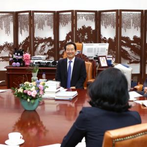 인문학 진흥을 위한 콘소시엄 구성 및 국회의장 면담 앞장